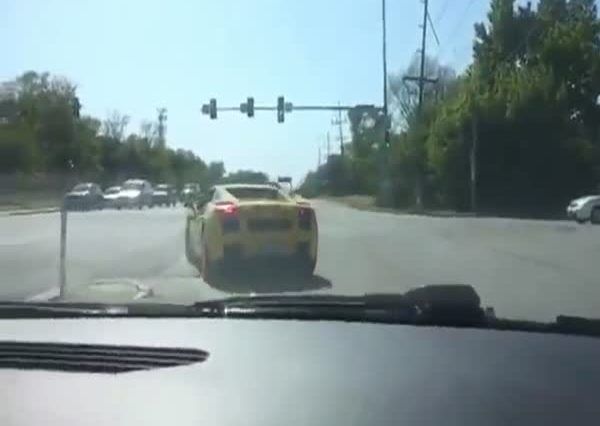 douche_in_a_lambo_gets_instant_karma_for_showing_off