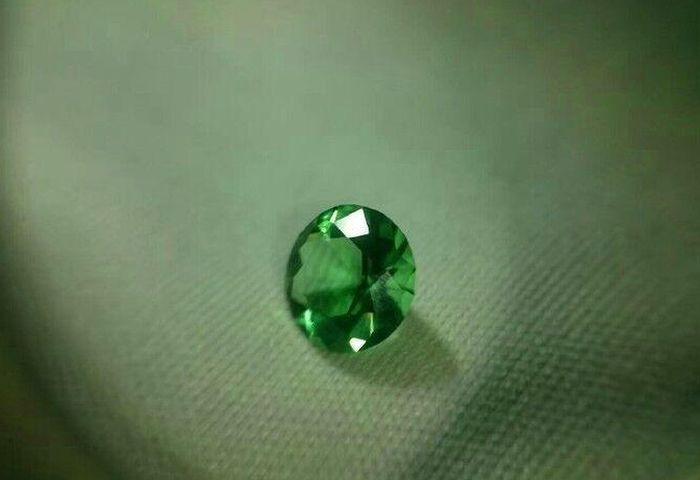 sa-femme-voulait-un-gros-diamant-05