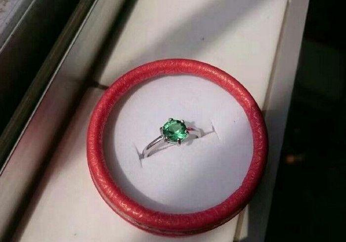 sa-femme-voulait-un-gros-diamant-06